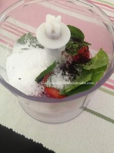 Erdbeer_Minz_Eiscreme1